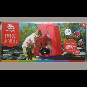 New in box! Go Hangout Tent- kid's gift